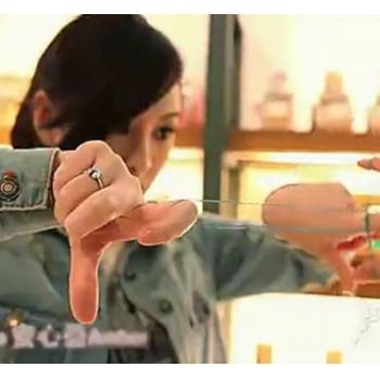 两个皮筋的魔术揭密教程 能变什么_刘谦一学就会的两个皮筋小魔术教学视频